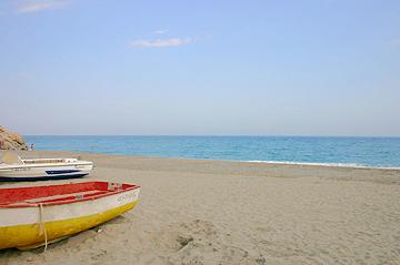 Strandbild Nerja an der Costa del Sol