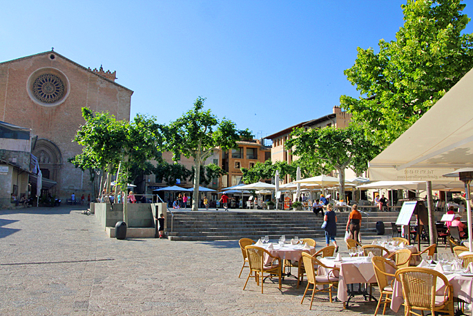 Marktplatz in Pollensa auf Mallorca