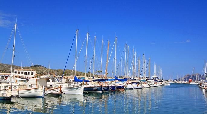 Hafen von Puerto Pollensa auf Mallorca