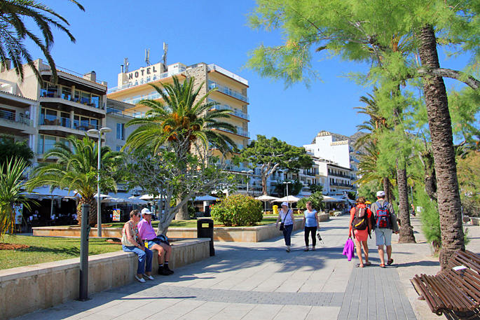 Promenade in Puerto Pollensa