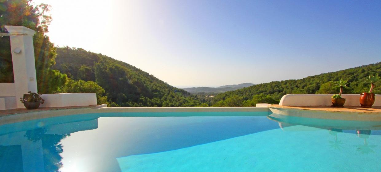 Villa Ibiza mit Pool