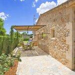 Ferienhaus Mallorca MA2097 überdachte Terrasse mit Gartenmöbel