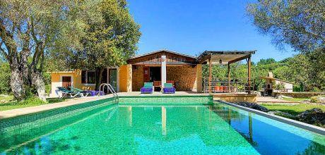 An der Nordküste von Mallorca ist das Ferienhaus Pollensa MA2246 für 4 Personen mit Pool, Internet und Flair zu mieten. An- und Abreisetag Samstag!