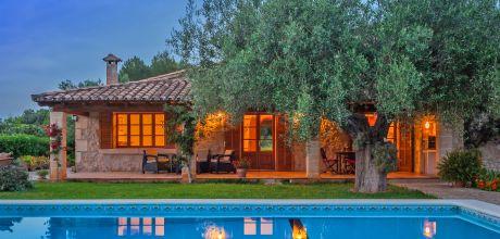 Mallorca Nordküste – Finca Pollensa 2040 für 4 Personen mit Pool und Internet mieten. An- und Abreisetag Samstag.