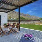 villa-mallorca-ma2022-gartenmobel-auf-der-terrasse