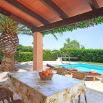 villa-mallorca-ma4147-uberdachte-terrasse-mit-tisch