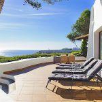 Ferienhaus Mallorca MA4795 Terrasse mit Sonnenliegen