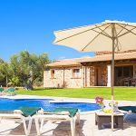 Finca Mallorca MA3950 Gartenmöbel am Pool