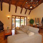 Finca Mallorca MA3950 Wohnraum mit Kaminofen