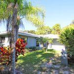 Ferienhaus Florida FVE32200 Grundstück mit Palmen