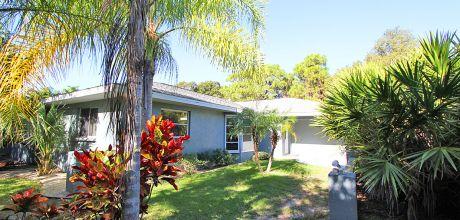 Komfort-Ferienhaus Florida Manasota Beach 32200 mit beheizbarem Pool in Strandnähe (ca. 600m), Grundstück ca. 1.000qm, Wohnfläche 200qm . Wechseltag flexibel – Mindestmietzeit 1 Woche.