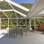 Ferienhaus Florida FVE32200 Poolterrasse mit Gartenmöbel