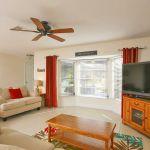 Ferienhaus Florida FVE32200 Wohnbereich mit großem TV