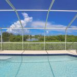 Ferienhaus Florida FVE41845 Pool mit Blick auf das Wasse
