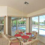 Ferienhaus Florida FVE41845 kleiner Esstisch
