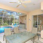 Ferienhaus Florida FVE42535 Esstisch auf der Terrasse