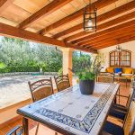 Ferienhaus Mallorca MA23370 überdachte Terrasse mit Tisch