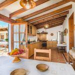 Ferienhaus Mallorca MA23370 Küche mit Esstisch
