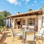 Ferienhaus Mallorca MA23370 Terrasse mit Gartenmöbel