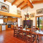 Ferienhaus Mallorca MA3366 offene Küche mit Esstisch