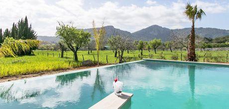 Mallorca Nordküste – Luxus-Villa Pollensa 4111 mit großem Pool und schönem Weitblick, Grundstück 21.000qm, Wohnfläche 400qm, Wechseltag Samstag.