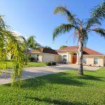 Ferienhaus Florida FVE3816 Rasen vor dem Haus