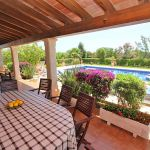 Ferienhaus Mallorca MA5208 Terrasse mit Blick auf den Pool