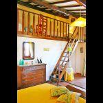 Ferienhaus Toskana TOH435 Schlafraum mit Leiter zur Galerie