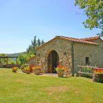 Ferienhaus Toskana TOH745 Rasenfläche am Haus