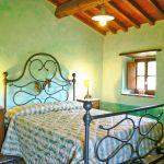 Ferienhaus Toskana TOH745 Schlafzimmer mit Doppelbett