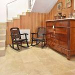 Villa Mallorca MA4292 Kommode im Treppenhaus