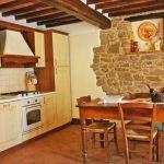 Ferienhaus Toskana TOH350 Küche mit Tisch