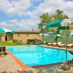 Ferienhaus Toskana TOH350 Pool mit Sonnenschirmen