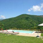Ferienhaus Toskana mit Pool und Hund TOH380 Blick über den Pool