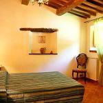 Ferienhaus Toskana mit Pool und Hund TOH380 Schlafraum mit Doppelbett