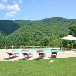 Ferienhaus Toskana mit Pool und Hund TOH380 Sonnenliegen am Pool