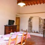 Ferienhaus Toskana mit Pool und Hund TOH380 mit Essbereich