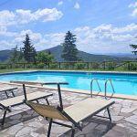 Ferienhaus Toskana mit Pool und Hund TOH409 Sonnenliegen am Pool