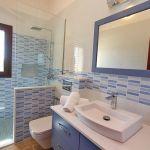 Luxus-Ferienhaus Mallorca MA4811 Badezimmer mit Dusche