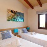 Luxus-Ferienhaus Mallorca MA4811 Schlafzimmer mit 2 Betten