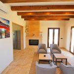 Luxus-Ferienhaus Mallorca MA4811 Sitzgruppe am Kamin