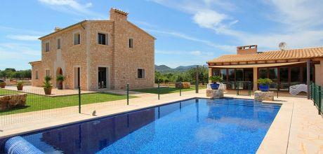 Mallorca Südostküste – Luxus-Ferienhaus S'Horta 4811 mit eingezäuntem Pool und großem Grillhaus in ruhiger Lage, Strand 2km, Grundstück 15.000qm, Wohnfläche 350qm, An- und Abreisetag Samstag. – 2018 jetzt buchen!