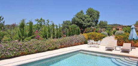 Mallorca Südostküste – Luxus-Finca Calonge 5556 mit Pool, bunt blühendes Gartengrundstück 1.000qm, Wohnfläche 240qm, An- und Abreisetag im Juli + August nur Samstag – Mindestmietzeit 1 Woche.