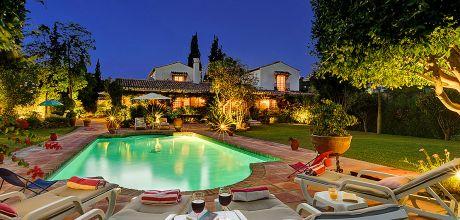 Ferienhaus Costa del Sol Marbella 5008 mit Pool und schönem Garten für 10 Personen. An- und Abreisetag Samstag.