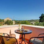 Ferienhaus Kreta KV32304 Balkon mit Gartenmöbel