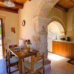 Ferienhaus Kreta KV32304 Küche mit Tisch