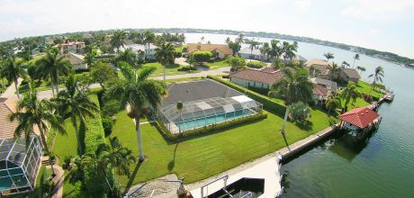 Villa Florida FMI5570 mit großem Pool und Bootsdock für 10 Personen. An- und Abreisetag flexibel auf Anfrage