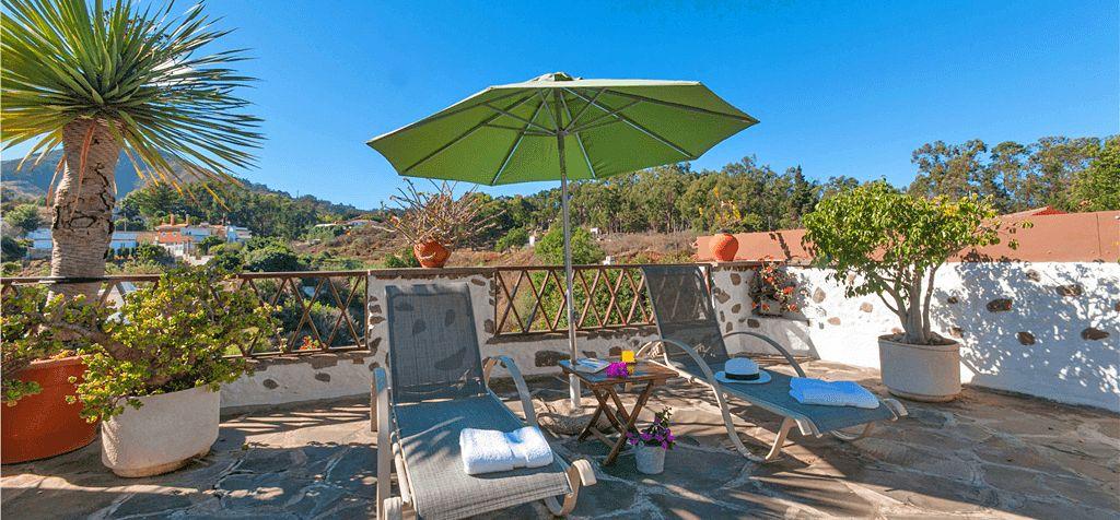 Ferienhaus Gran Canaria GC2024 Terrasse mit Gartenmöbel