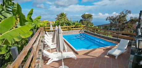 Ferienhaus Gran Canaria Arucas 5061 mit privatem Pool für 10 – 12 Personen mieten. An- und Abreise flexibel – Mindestmietzeit 4 Tage.