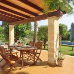 Ferienhaus Mallorca MA2050 überdachte Terrasse mit Gartenmöbel (2)